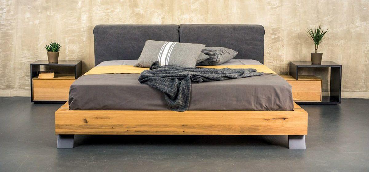Κρεβάτι με ξύλινη βάση και ταπετσαρία