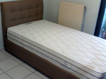 Κρεβάτι μονό ταπετσαριστό με στρώμα