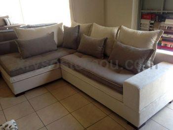 Γωνιακό σαλόνι με κουμπιά στα μαξιλάρια